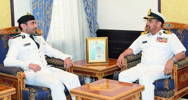 قائد البحرية السلطانية العمانية يستقبل قائد قوة الواجب المختلطة (152) بمملكة البحرين