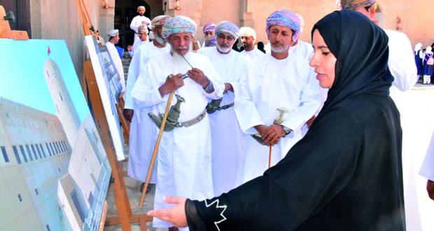 بيت الغشام يحتفي باليوم العالمي للتراث عبر معرض تراثي وورقتي عمل حول قطاع الآثار