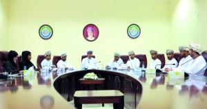 """""""غرفة شمال الشرقية"""" تناقش التحديات التي تواجه الأنشطة الخدمية والإنتاجية"""