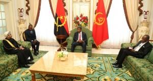 رئيس أنجولا يتقبل أوراق اعتماد سفير السلطنة