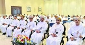 مؤتمر القيادة والإدارة يستهدف تحسين المهارات القيادية وتحويل التحديات إلى فرص تنظمه وزارة الخدمة المدنية