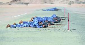 وحدة شرطة المهام الخاصة بعبري تحصد درع البطولة ووحدة الإسناد وصيفا في اختتام البطولة السنوية للرماية بقيادة شرطة المهام الخاصة
