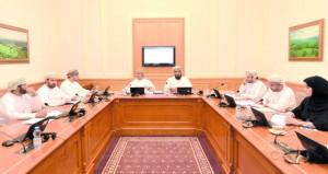 """إعلامية """"الشورى"""" تناقش مستجدات دراستي """"قناة عمان الثقافية"""" والضوابط المنظمة للإعلام الجديد"""