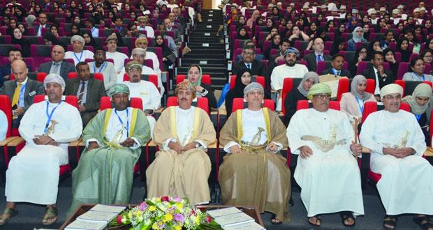 المؤتمر الدولي للأعمال المصرفية والمالية والتجارية يناقش الفرص والتحديات وسبل تحسين جودة البحوث