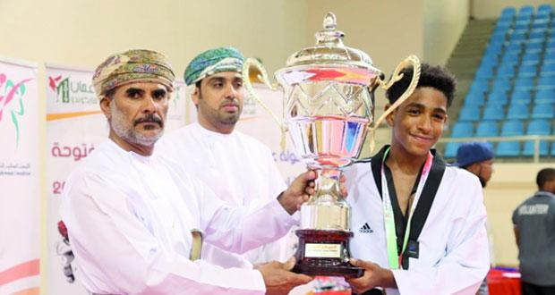 تتويج فريق نادي التحدي بطلا للبطولة وأكاديمية مجان ثانيا وفالكون ثالثا في ختام بطولة عمان المفتوحة للتايكوندو