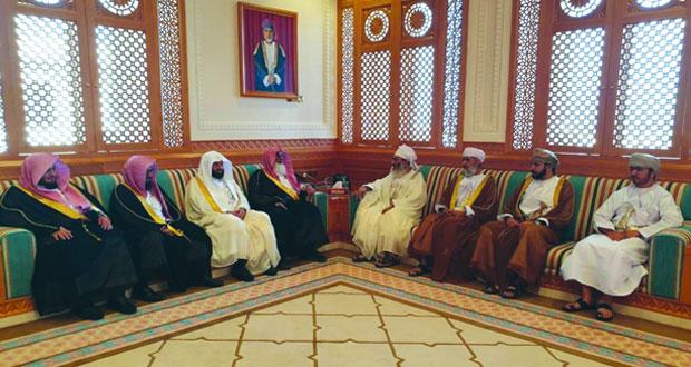 بحث التعاون بين السلطنة والسعودية في المجالات القضائية