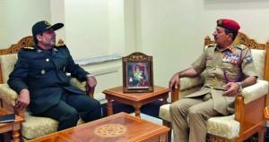 استعراض العلاقات الثنائية بين السلطنة وإيران في المجالات العسكرية
