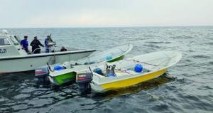 زوارق خفر السواحل بشرطة مسندم تضبط تسعة قوارب لتهريب وقود الديزل