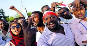 السودان: (العسكري) يقول إنه يسعى إلى التوافق وتشكيل حكومة مدنية بأسرع وقت