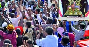 السودان: رئيس المجلس العسكري يعد بحكومة مدنية