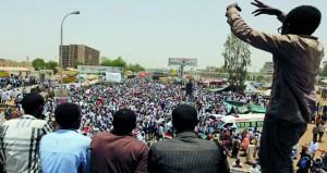 السودان: البشير في السجن وأوغندا مستعدة لبحث لجوئه