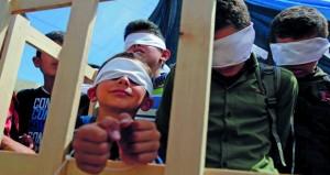 في يومهم .. أكثر من 5700 أسير فلسطيني خلف قضبان الاحتلال