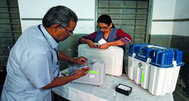 (بهاراتيا جاناتا) و (المؤتمر الوطني) يتنافسان في الجولة الثالثة من الانتخابات الهندية