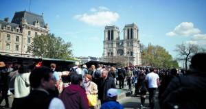 فرنسا تعتزم تنظيم مسابقة في الهندسة المعمارية لإعادة بناء برج (نوتردام)