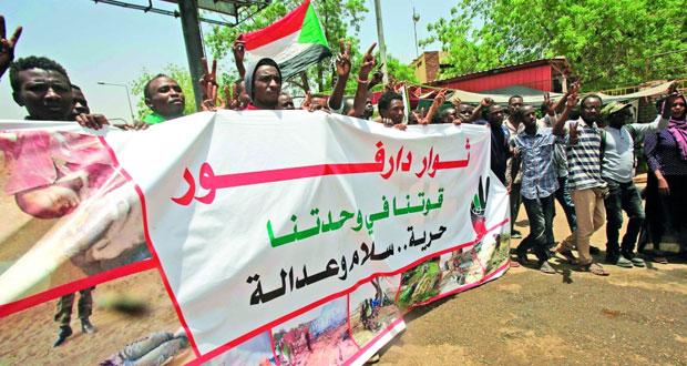 السودان: (العسكري) يحذر من عمليات التخريب وقوى (الحرية) توقف التفاوض