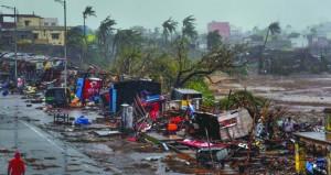 """""""فاني"""" يتجه لبنجلاديش بعد التسبب في دمار واسع بالهند"""