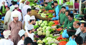 السوق المركزي للخضراوات والفواكه: وفرة في المعروض مع استقرار الأسعار مع حلول الشهر الفضيل
