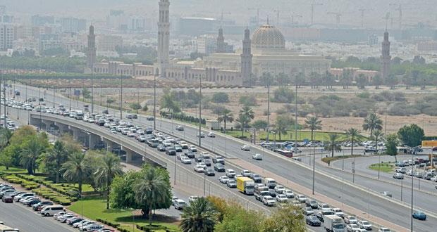 رمضان بخصوصية عمانية .. وازدحام بطرقات مسقط