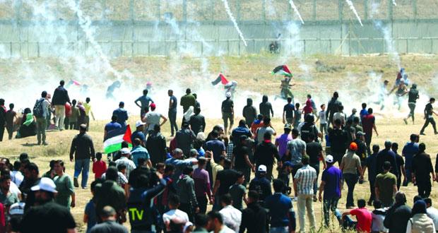 الاحتلال يستهدف (مليونية العودة) بالرصاص وقنابل الغاز