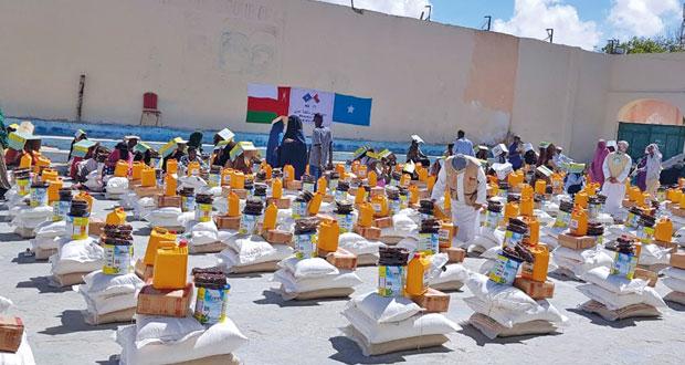أكثر من 80 ألف أسرة تستفيد من المساعدات العمانية بالصومال