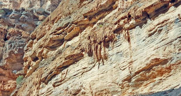 التكوينات الصخرية بوادي النخر محطة جذب للهواة والمغامرين