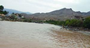 توقعات بانحسار تأثيرات المنخفض واستمرار فرص هطول الأمطار على جبال الحجر وظفار اليوم