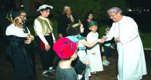 ثماني جاليات عربية في معرض الحضارات بجامعة السلطان قابوس