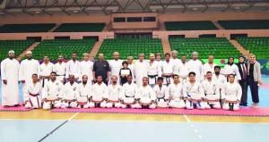 تكريم الحكام الدوليين والآسيويين والمدربين للكاراتيه