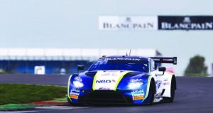فريق عمان لسباقات السيارات يبحث عن صدارة الفئة في بول ريكارد بفرنسا