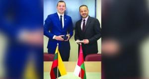 أمين عام وزارة الخارجية يلتقي بوزير الاقتصاد والابتكار الليتواني