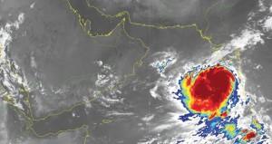 الإعصار المداري (فايو) يواصل تحركه باتجاه السواحل الغربية للهند