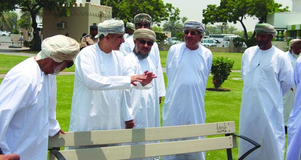 أعضاء المجلس البلدي لمحافظة مسقط يقفون على احتياجات السيب من الخدمات