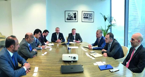 السلطنة تبحث فرص التعاون مع المؤسسات التمويلية في موسكو