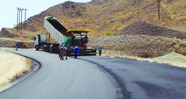 طريق (الحوقين ـ ملي) بالرستاق رافد للتواصل الاجتماعي والحركة السياحية والتجارية والعمرانية