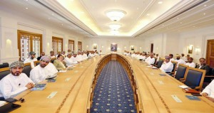 وزير القوى العاملة يؤكد أن تدريب وتأهيل الكوادر العمانية مسؤولية مشتركة