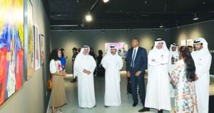 """افتتاح معرضي """"أرض السُمر"""" و """"لوحات فنية"""" بالحي الثقافي في الدوحة"""