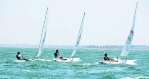 فريق الناشئين بعمان للإبحار يختتم بطولة البارح للإبحار الشراعي بالبحرين