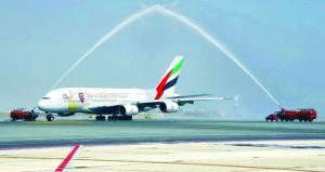 مطار مسقط الدولي يستقبل بنجاح أول رحلتين يوميا لطائرة طيران الإمارات A380