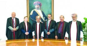 الباحث إسماعيل الزدجالي يحصل على الدكتوراه من جامعة السلطان قابوس