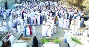 إقبال كبير على هبطة العيد بنخل والسيب