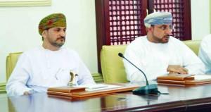 وزير البلديات الإقليمية وموارد المياه يناقش مجالات العمل البلدي والمائي وسبل تطويرها بجنوب الباطنة