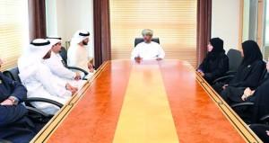(التربية والتعليم) تلتقي أعضاء مجلس أمناء المركز التربوي للغة العربية
