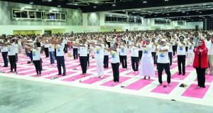 أكثر من6000 مشارك يحتفلون باليوم العالمي لليوجا بالسلطنة