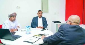 رئيس التراخيص الآسيوي يطلع على آلية عمل اتحاد الكرة لتطبيق نظام التراخيص المحلي