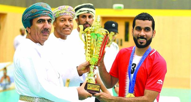 فريق النفط والغاز يتوج بلقب بطولة شرطة عمان السلطانية للكرة الطائرة