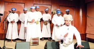 مركز عُمان للموسيقى التقليدية ينظم أمسية حوارية عن الرزحة