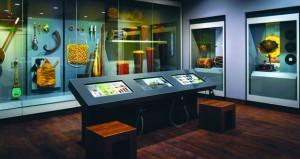 الآلات الموسيقية في غناء العوادين العمانيين .. حكايات نغم وسفر نحو الذات بالمتحف الوطني