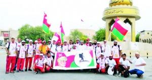 المشاركون في مسير المحبة والسلام نـزوى ـ صلالة يصلون ولاية ثمريت بمناسبة يوم النهضة المباركة