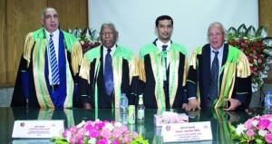 باحث عماني يحصل على الدكتوراه في عقود المشاركة بين القطاعين العام والخاص بجامعة عين شمس