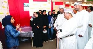 افتتاح معرض مشاريع دورة الثورة الصناعية الرابعة بجامعة السلطان قابوس